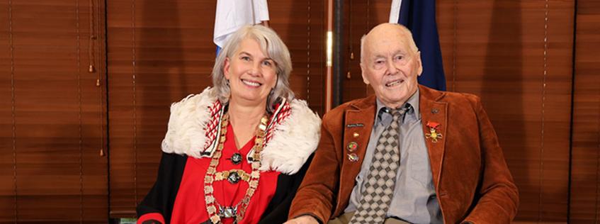 Officer of the New Zealand Order of Merit, Murray Powell and Hamilton Mayor Paula Southgate
